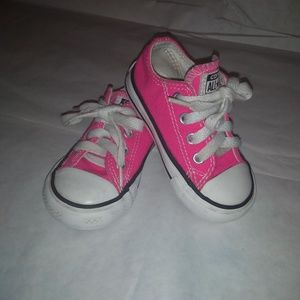 Converse toddler shoes size 5